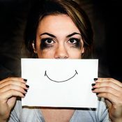 Conflicto de emociones - libérate del estrés emocional con masajes y terapias naturales