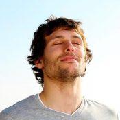 Vive una vida más relajada - libérate del estrés emocional con masajes y terapias naturales